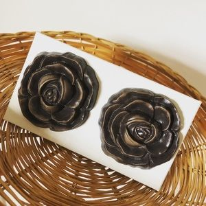 Vintage Accents - Rose Knobs